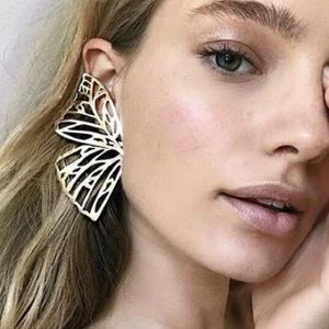 ⚜️[𝟯/$𝟮𝟴]⚜️Big Golden Butterfly Earrings New